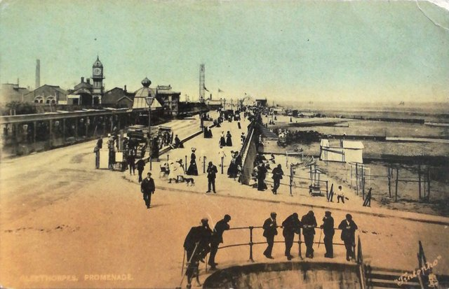 Vintage postcard sent 1906 Cleethorpes Promenade, Lincolnshire