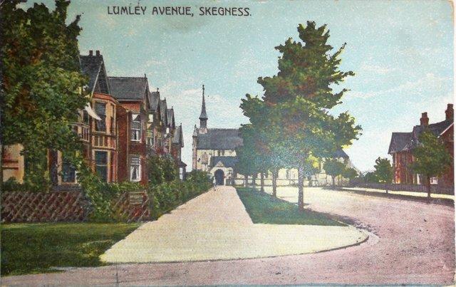 Lumley Avenue, Skegness vintage postcard sent 1906