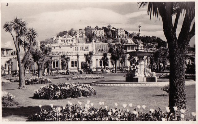 Vintage postcard of Princes Gardens and Pavilion, Torquay, Devon.