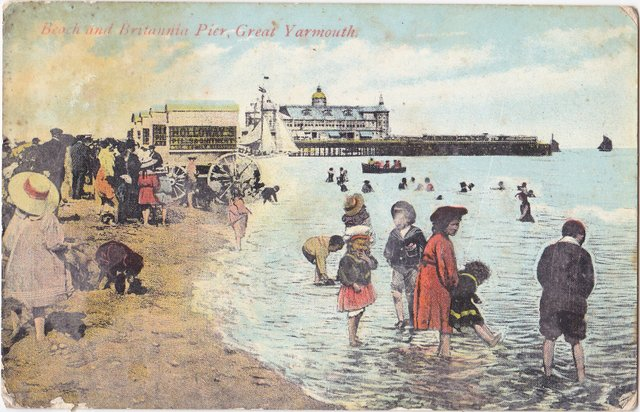 Vintage postcard: Beach and Britannia Pier, Great Yarmouth