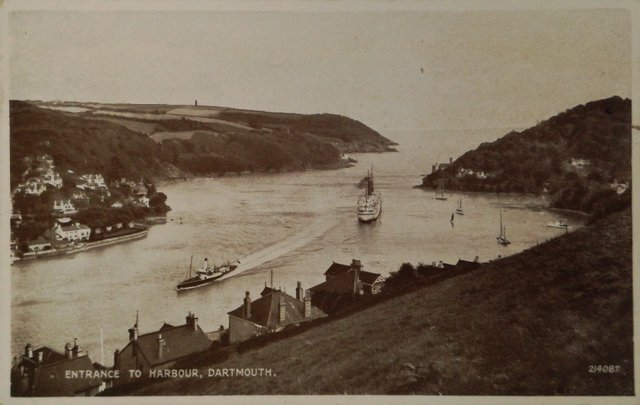 Old postcard - Entrance to the harbour, Dartmouth, Devon