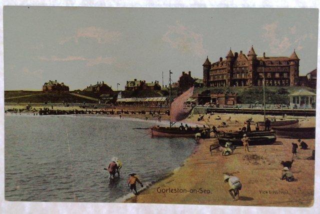 Gorleston on Sea, Norfolk, vintage postcard