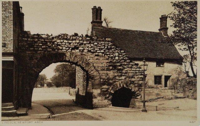 Lincoln, Newport Arch