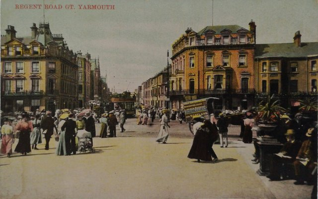 Old postcard of Regent Rd, Great Yarmouth