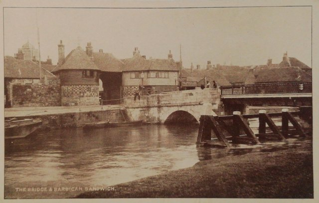 Old postcard of the Bridge and Barbican, Sandwich, Kent
